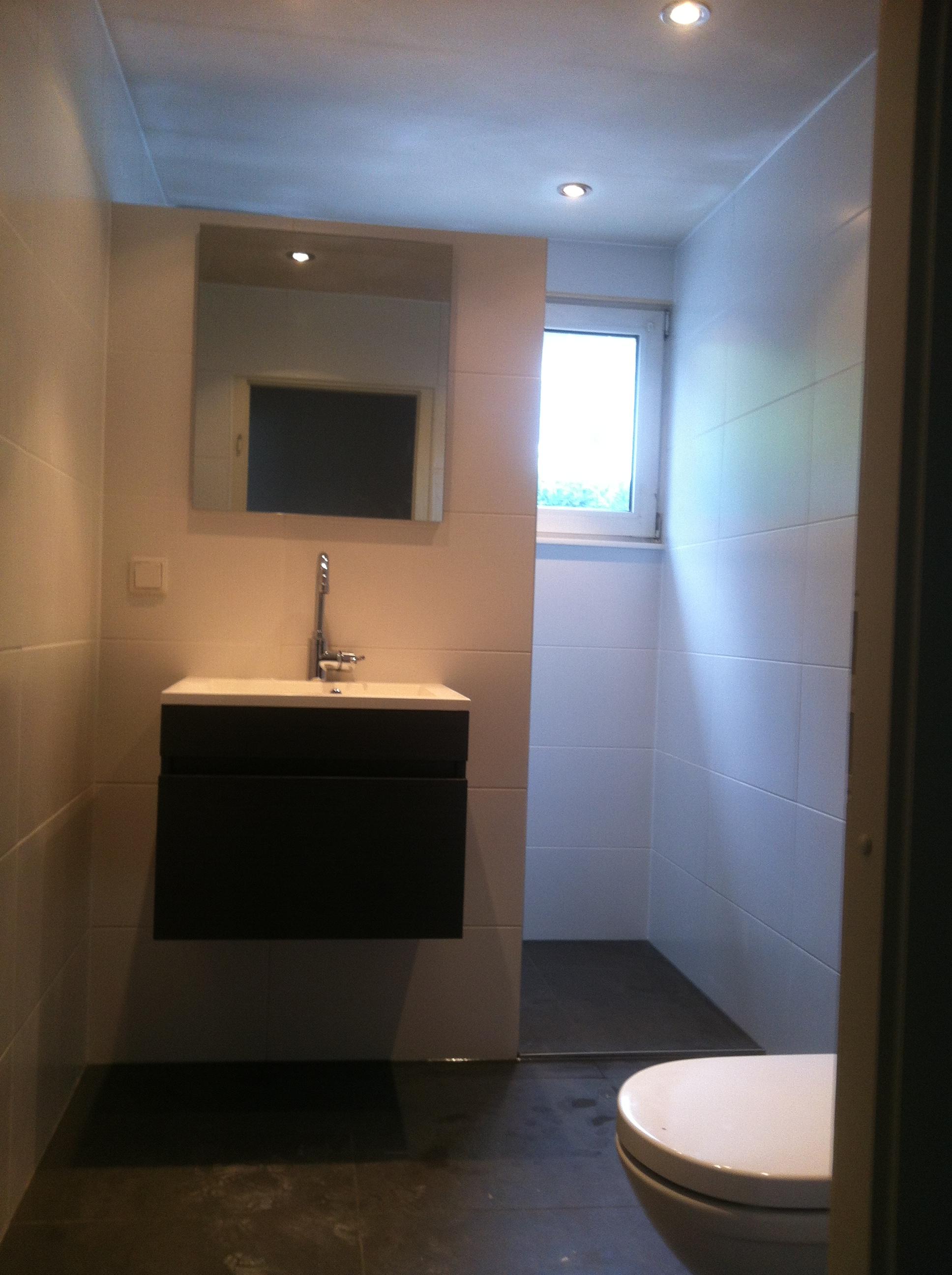 Meest effectief badkamer inclusief installatie inspirerende idee n ontwerp met foto 39 s en - Behang in de badkamer ...